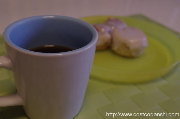 紅茶とコストコのプチシナモンロール
